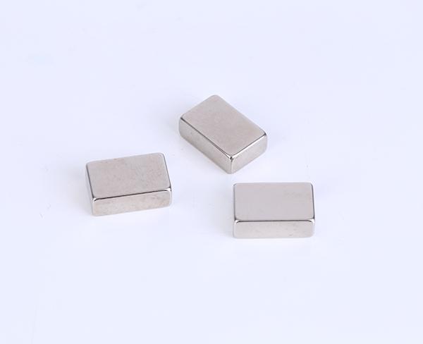 釹鐵硼磁鐵對(dui)永(yong)lai)諾緇neng)產(chan)生的作用