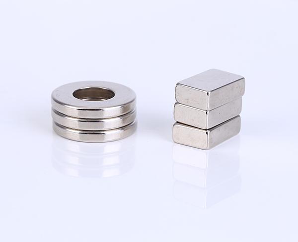 方形磁鐵怎(zen)樣發電